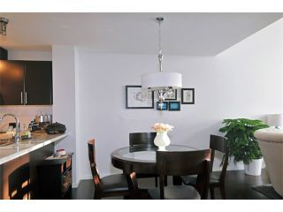"Photo 3: 412 700 KLAHANIE Drive in Port Moody: Port Moody Centre Condo for sale in ""BOARDWALK AT KLAHANIE"" : MLS®# V935003"