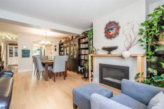 Photo 1: 6879 BROMLEY Court in Burnaby: Montecito Townhouse for sale (Burnaby North)  : MLS®# R2463043
