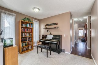 Photo 8: 23 River Rock Circle SE in Calgary: Riverbend Detached for sale : MLS®# A1089273