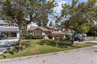 Photo 1: 7908 143A Street in Surrey: East Newton House for sale : MLS®# R2494343