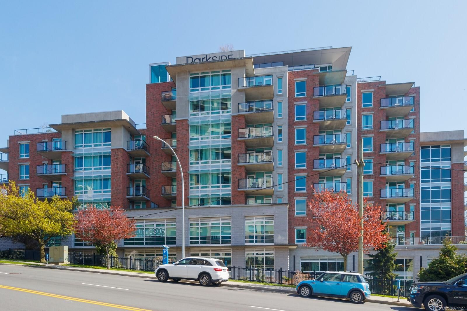 Main Photo: A503 810 Humboldt St in : Vi Downtown Condo for sale (Victoria)  : MLS®# 871127