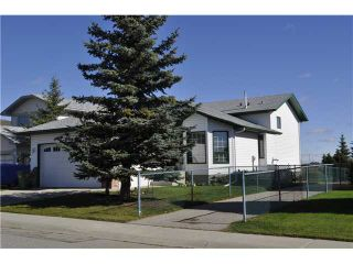 Photo 1: 422 MEADOWBROOK Bay SE: Airdrie Residential Detached Single Family for sale : MLS®# C3638597