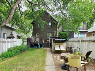Photo 2: 623 8th Avenue North in Saskatoon: City Park Residential for sale : MLS®# SK868366