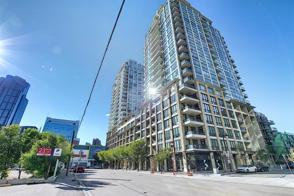 Main Photo: 817 222 Riverfront Avenue SW in Calgary: Eau Claire Apartment for sale : MLS®# A1101898