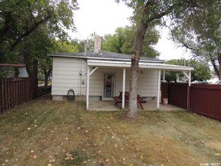 Photo 2: 802 Isabelle Street in Estevan: Hillside Residential for sale : MLS®# SK866337