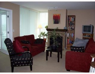 """Photo 2: 1403 120 MILROSS Ave in Vancouver: Mount Pleasant VE Condo for sale in """"THE BRIGHTON"""" (Vancouver East)  : MLS®# V645464"""