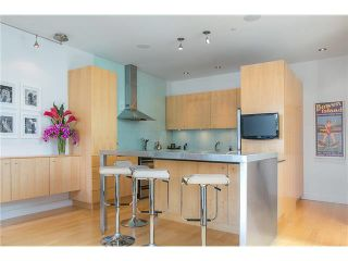 Photo 4: 2115 W 1ST AVENUE in Vancouver: Kitsilano 1/2 Duplex for sale (Vancouver West)  : MLS®# V1142221