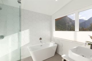 "Photo 18: 2255 WINDSAIL Place in Squamish: Plateau House for sale in ""CRUMPIT WOODS"" : MLS®# R2514390"