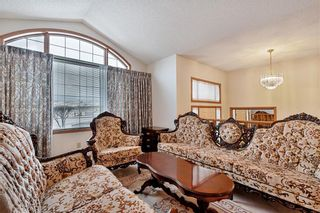 Photo 4: 850 37 Street NW in Calgary: Parkdale Detached for sale : MLS®# C4297148