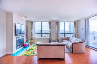 Photo 4: 2201 4333 CENTRAL Boulevard in Burnaby: Metrotown Condo for sale (Burnaby South)  : MLS®# R2382864