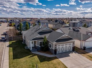 Photo 2: 717 Stonehaven Drive: Carstairs Detached for sale : MLS®# A1105232