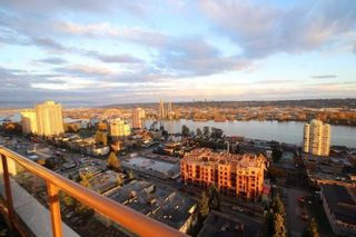 """Photo 2: 1701 320 ROYAL Avenue in New Westminster: Downtown NW Condo for sale in """"THE PEPPER TREE"""" : MLS®# R2196193"""