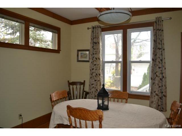 Photo 5: Photos: 260 Montrose Street in WINNIPEG: River Heights / Tuxedo / Linden Woods Residential for sale (South Winnipeg)  : MLS®# 1426549