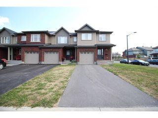 Photo 1: 601 GAZEBO STREET in : Riverside South; Gloucester Glen Residential for sale : MLS®# 1024498