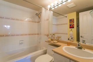 """Photo 11: 322 332 LONSDALE Avenue in North Vancouver: Lower Lonsdale Condo for sale in """"CALYPSO"""" : MLS®# R2275459"""