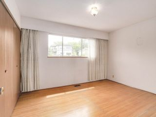 Photo 8: 1928 VENABLES STREET in Vancouver: Grandview VE House for sale (Vancouver East)  : MLS®# R2180121