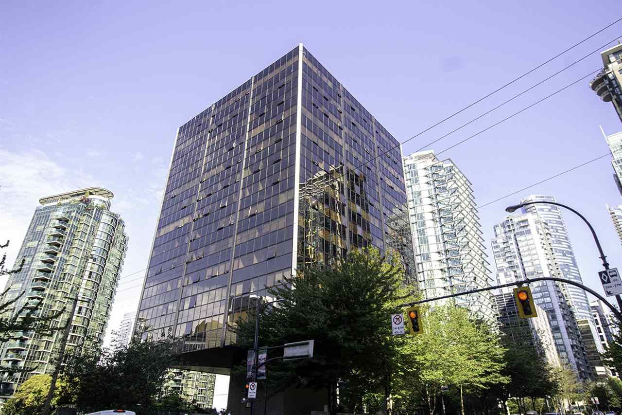 """Main Photo: 1304 1333 W GEORGIA Street in Vancouver: Coal Harbour Condo for sale in """"The Qube"""" (Vancouver West)  : MLS®# R2472774"""