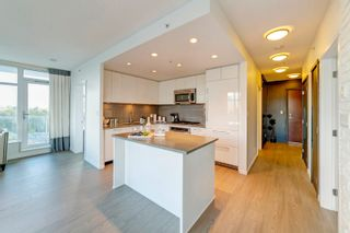 """Photo 3: 1207 3102 WINDSOR Gate in Coquitlam: New Horizons Condo for sale in """"Celadon by Polygon"""" : MLS®# R2624919"""