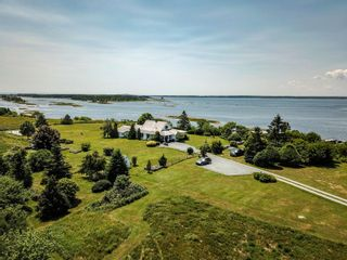Photo 3: 346 Smith Road in Voglers Cove: 405-Lunenburg County Residential for sale (South Shore)  : MLS®# 201924928