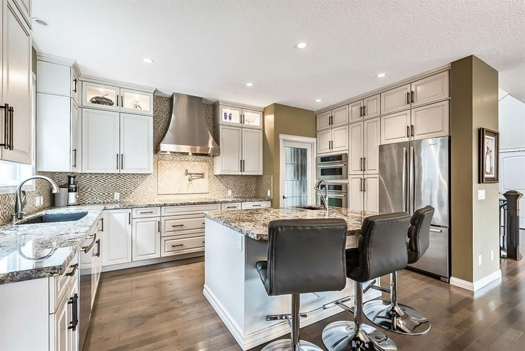 Photo 8: Photos: 72 Cranbrook Heights SE in Calgary: Cranston Detached for sale : MLS®# A1105486
