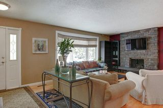 Photo 2: 8 Lenton Place SW in Calgary: North Glenmore Park Detached for sale : MLS®# A1070679
