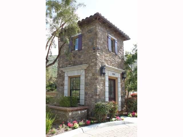 Photo 2: Photos: EAST ESCONDIDO House for sale : 5 bedrooms : 2797 Vistamonte in Escondido