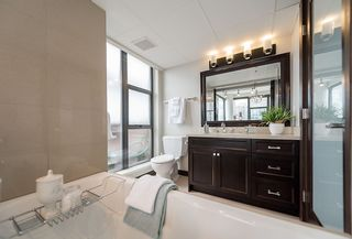 """Photo 12: 2506 1723 ALBERNI Street in Vancouver: West End VW Condo for sale in """"THE PARK"""" (Vancouver West)  : MLS®# R2106181"""