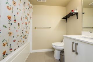 """Photo 12: 502 2689 KINGSWAY in Vancouver: Collingwood VE Condo for sale in """"SKYWAY TOWER"""" (Vancouver East)  : MLS®# R2355485"""
