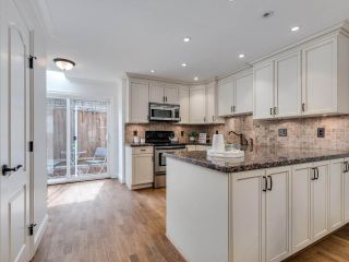 """Photo 5: 8 1266 W 6TH Avenue in Vancouver: Fairview VW Townhouse for sale in """"Camden Court"""" (Vancouver West)  : MLS®# R2487399"""