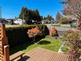 Photo 4: 1066 CYPRESS STREET: White Rock House for sale (South Surrey White Rock)  : MLS®# R2579690