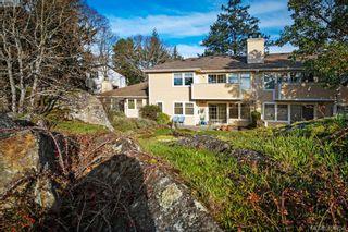 Photo 1: 2 909 Admirals Rd in VICTORIA: Es Esquimalt Row/Townhouse for sale (Esquimalt)  : MLS®# 804289