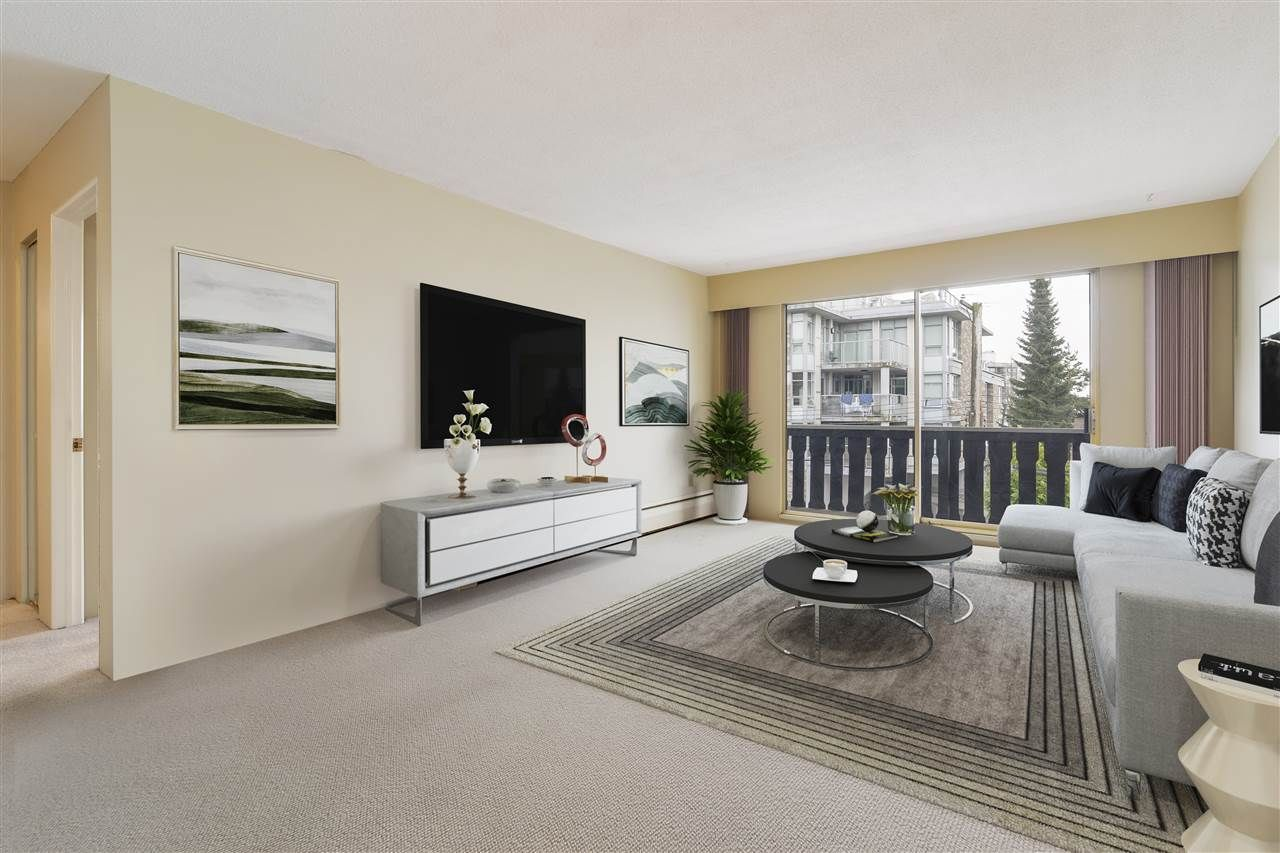 "Main Photo: 212 1345 CHESTERFIELD Avenue in North Vancouver: Central Lonsdale Condo for sale in ""CHESTERFIELD MANOR"" : MLS®# R2561595"