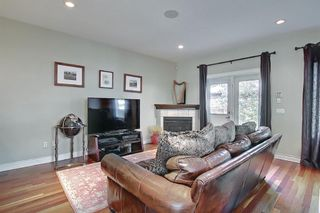 Photo 11: 722 53 Avenue SW in Calgary: Windsor Park Semi Detached for sale : MLS®# A1142583