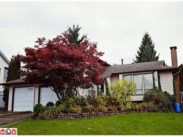 "Main Photo: 8720 151 Street in Surrey: Bear Creek Green Timbers House for sale in ""Fleetwood"" : MLS®# F1125086"