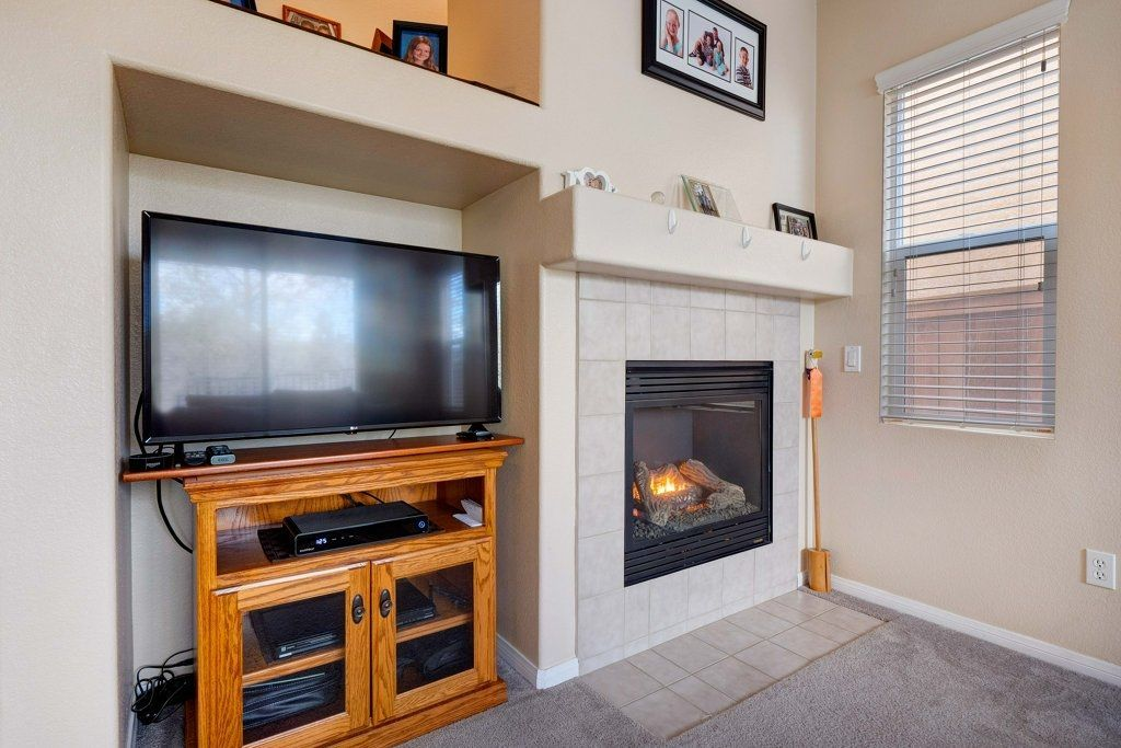 Photo 6: Photos: NATIONAL CITY House for sale : 3 bedrooms : 4102 Verde View