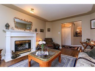 """Photo 4: 33 9168 FLEETWOOD Way in Surrey: Fleetwood Tynehead Townhouse for sale in """"The Fountains"""" : MLS®# F1414728"""