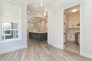 Photo 5: 918 163 Street in Surrey: King George Corridor House for sale (South Surrey White Rock)  : MLS®# R2577941