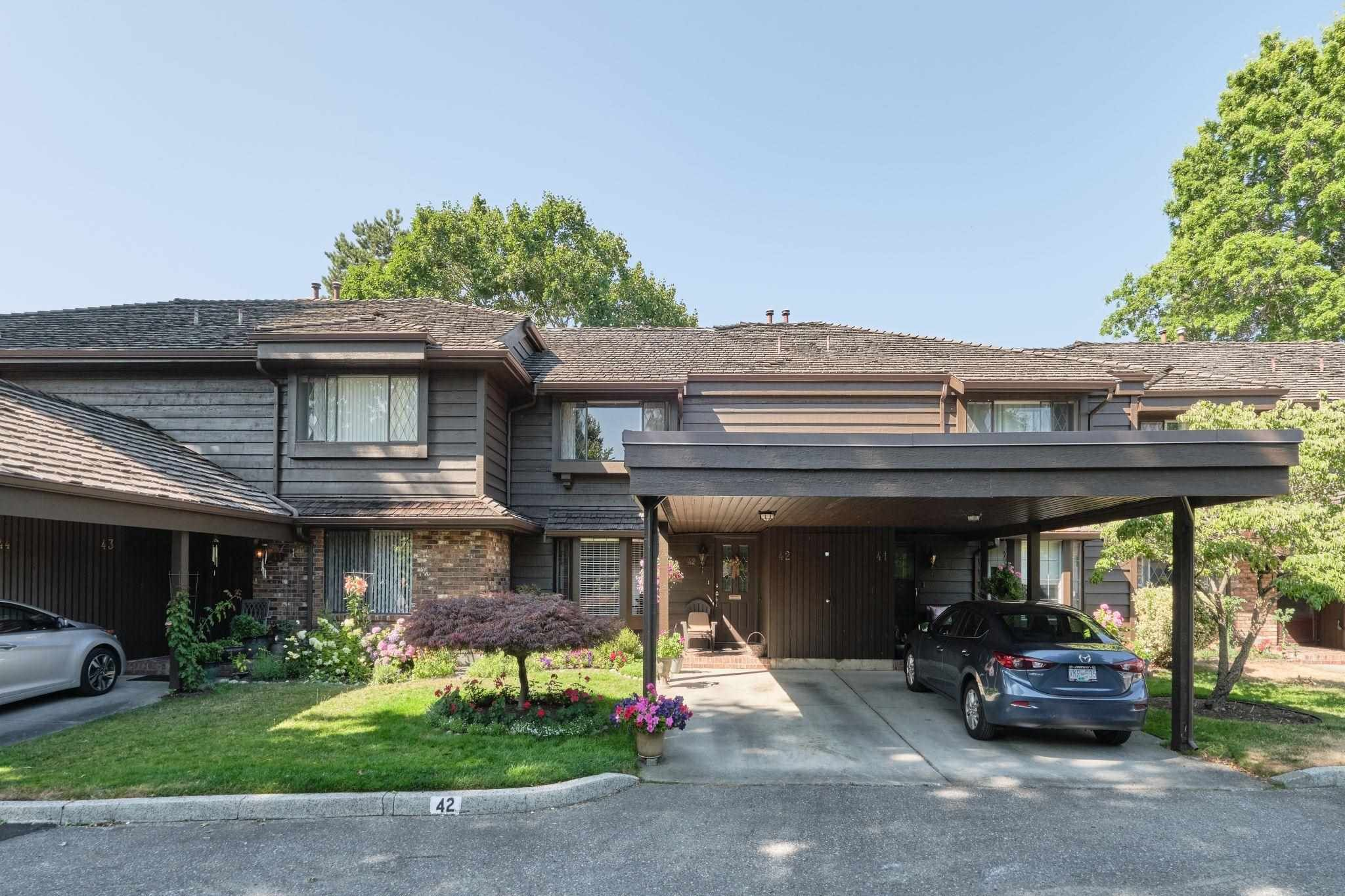 """Main Photo: 42 8111 SAUNDERS Road in Richmond: Saunders Townhouse for sale in """"OSTERLEY PARK"""" : MLS®# R2605731"""