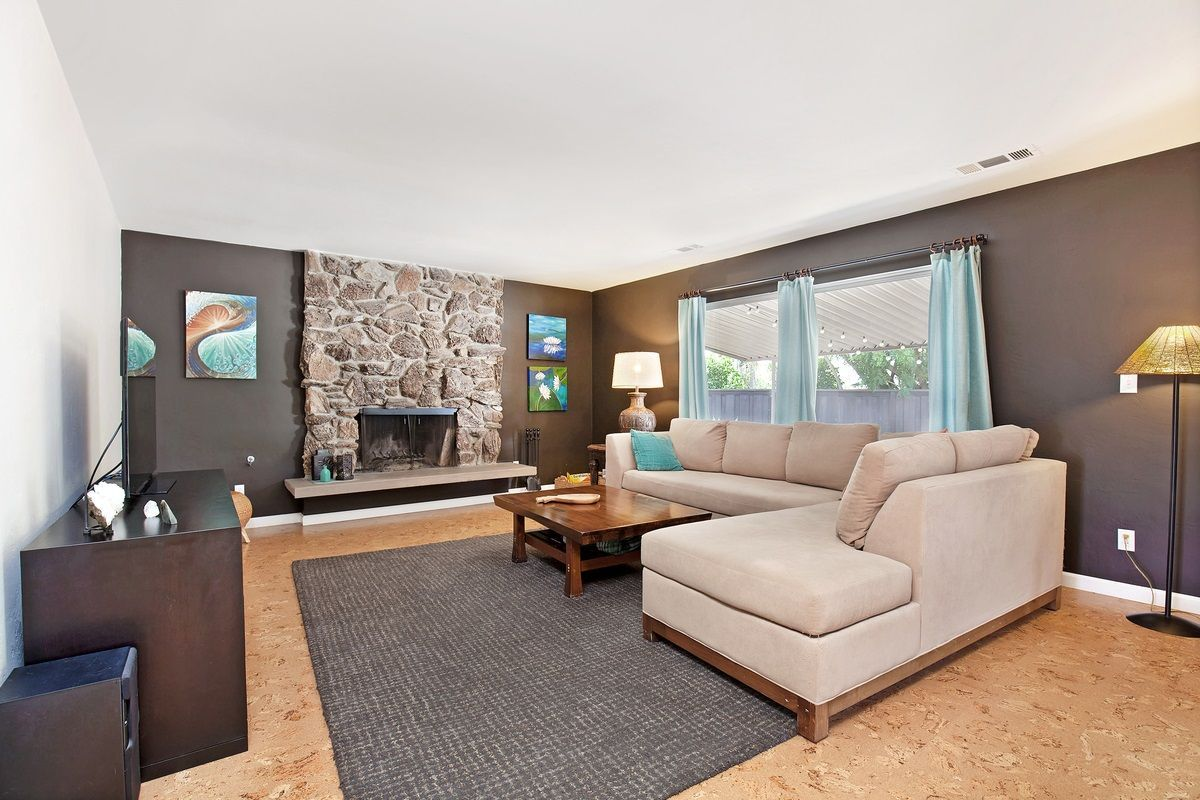 Main Photo: OCEANSIDE House for sale : 3 bedrooms : 1675 Avocado