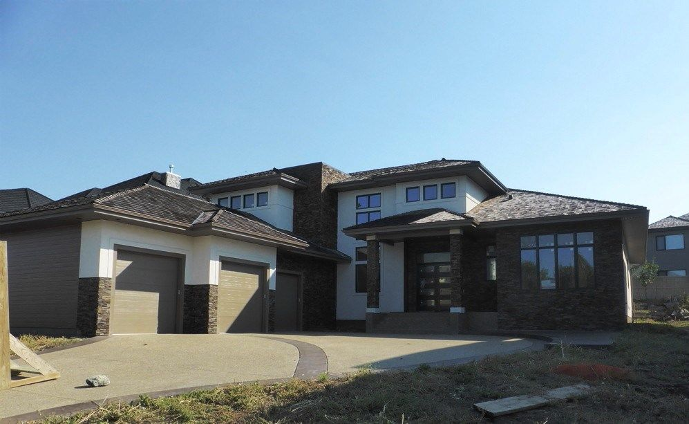 Main Photo: 35 Windermere Drive: House for sale