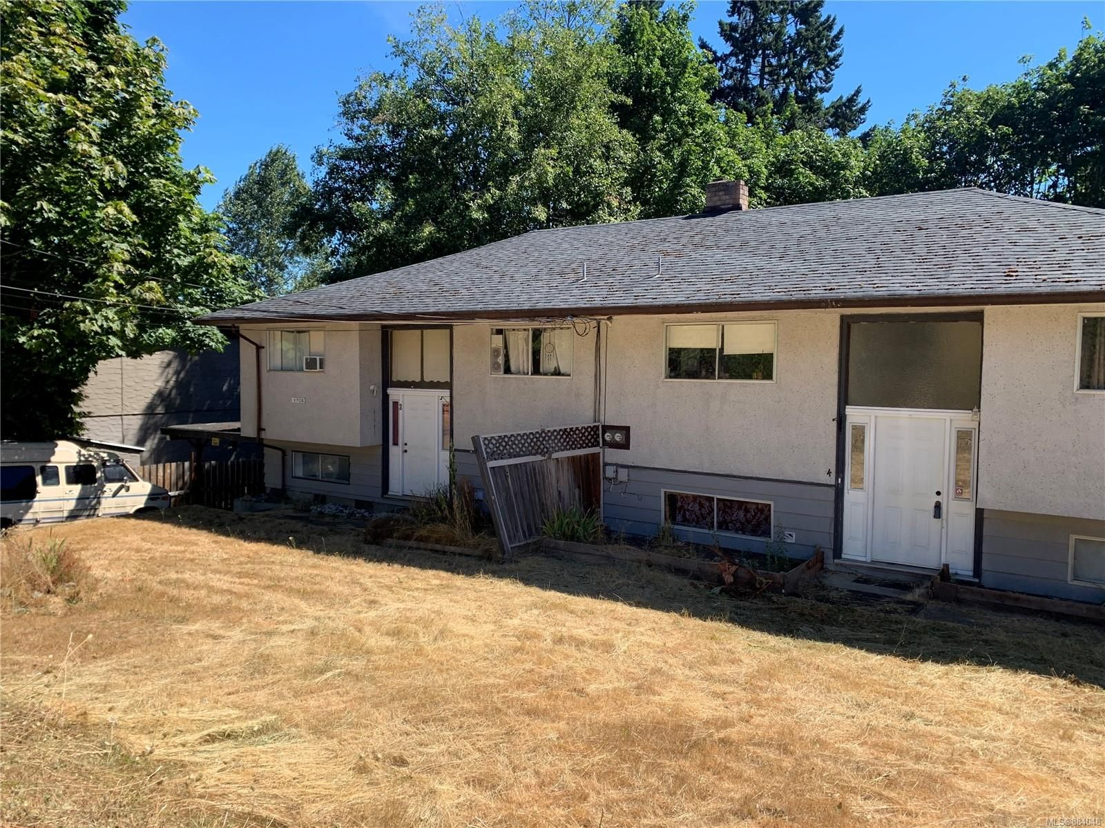 Main Photo: 1700 Extension Rd in : Na Chase River Full Duplex for sale (Nanaimo)  : MLS®# 884048