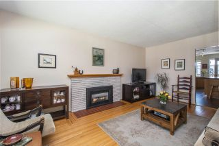 """Photo 3: 66 E 42ND Avenue in Vancouver: Main House for sale in """"WEST OF MAIN"""" (Vancouver East)  : MLS®# R2588399"""