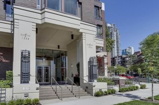 """Photo 1: 901 1003 PACIFIC Street in Vancouver: West End VW Condo for sale in """"SEASTAR"""" (Vancouver West)  : MLS®# R2353861"""