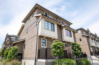 """Photo 2: 8576 OSLER Street in Vancouver: Marpole Townhouse for sale in """"Osler Residences"""" (Vancouver West)  : MLS®# R2580301"""