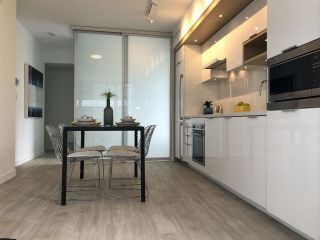 """Photo 9: 908 1661 QUEBEC Street in Vancouver: Mount Pleasant VE Condo for sale in """"Voda"""" (Vancouver East)  : MLS®# R2284074"""