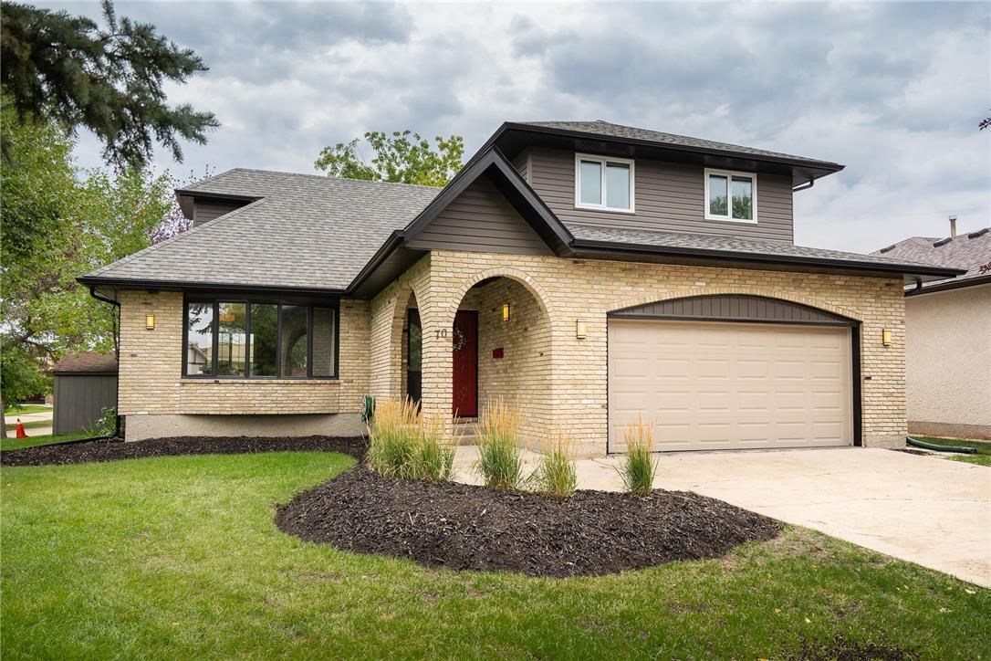 Main Photo: 70 Manring Cove in Winnipeg: House for sale : MLS®# 202121105