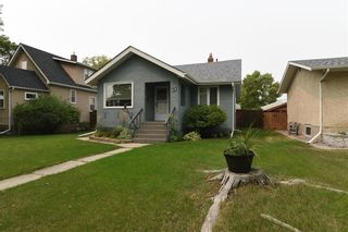 Photo 2: 11 Fifth Avenue in Winnipeg: Residential for sale (2D)  : MLS®# 202120535