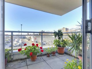 """Photo 18: 301 1978 VINE Street in Vancouver: Kitsilano Condo for sale in """"CAPERS BUILDING"""" (Vancouver West)  : MLS®# R2224832"""