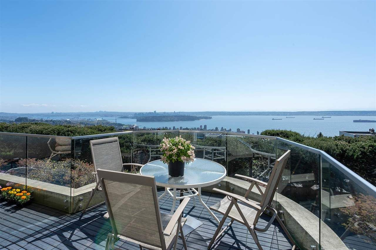 """Main Photo: 2378 FOLKESTONE Way in West Vancouver: Panorama Village Townhouse for sale in """"Westpointe"""" : MLS®# R2572658"""