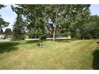 Photo 20: 4036 CHATHAM Place NW in CALGARY: Charleswood Residential Detached Single Family for sale (Calgary)  : MLS®# C3630774